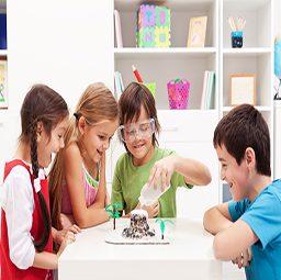 ילדים מבצעים ניסוי