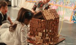 שוקוללה - בונים בתים ממתקים