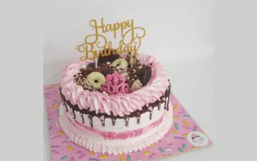 אפרת תיבי - הפעלות זילוף ליום ההולדת ועוגות מעוצבות